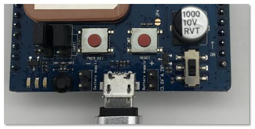Air800 模块 M4 开发板使用说明